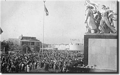 ussr-statue-221
