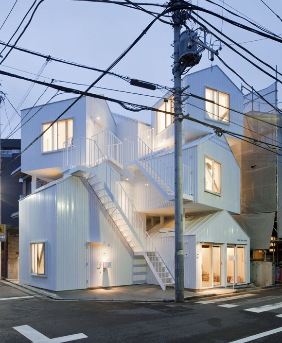 Tokyo-Apartment-by-Sou-Fujimoto-Architect01